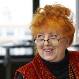 Margit Hertlein, Speakerin